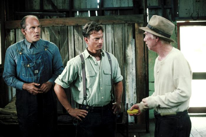 a focus on the character of george and lennie in of mice and men Of mice and men: character profiles, free study guides and book notes including comprehensive chapter analysis, complete summary analysis, author biography information, character profiles, theme analysis, metaphor analysis, and top ten quotes on classic literature.